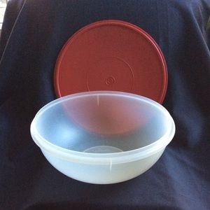 Tupperware Kitchen - Tupperware extra large XL deep RED lid Bowl EUC